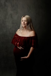 Maternity Photographer Near Me 11